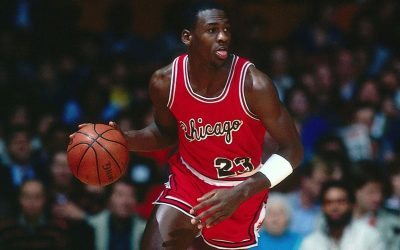 Michael Jordan's First Chicago Bulls Contract Sells for $57K